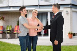 Vendre sa maison avec un agent immobilier